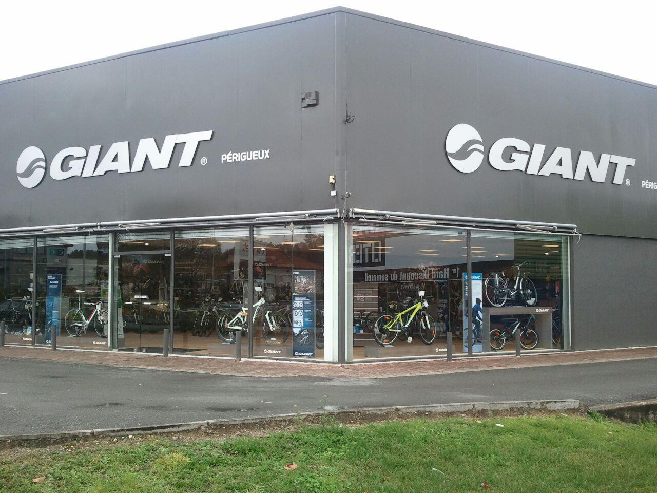 GIANT STORE CYCLES CUMS